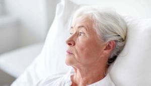Мед кровать для лежачего больного
